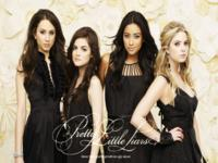 Pretty Little Liars wallpaper 9